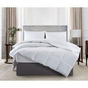 Serta Perfect Sleeper Comfy Sleep Down Alternative Comforter (Assorted Sizes and Colors)