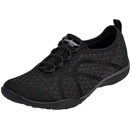 Skechers Women's Movin' Easy Slip On Shoe