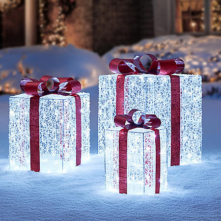 Member's Mark Set of 3 LED Twinkling Crystal Iced Gift Boxes