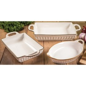 Member's Mark 3-Piece Fluted Bakeware Set (Assorted Colors)