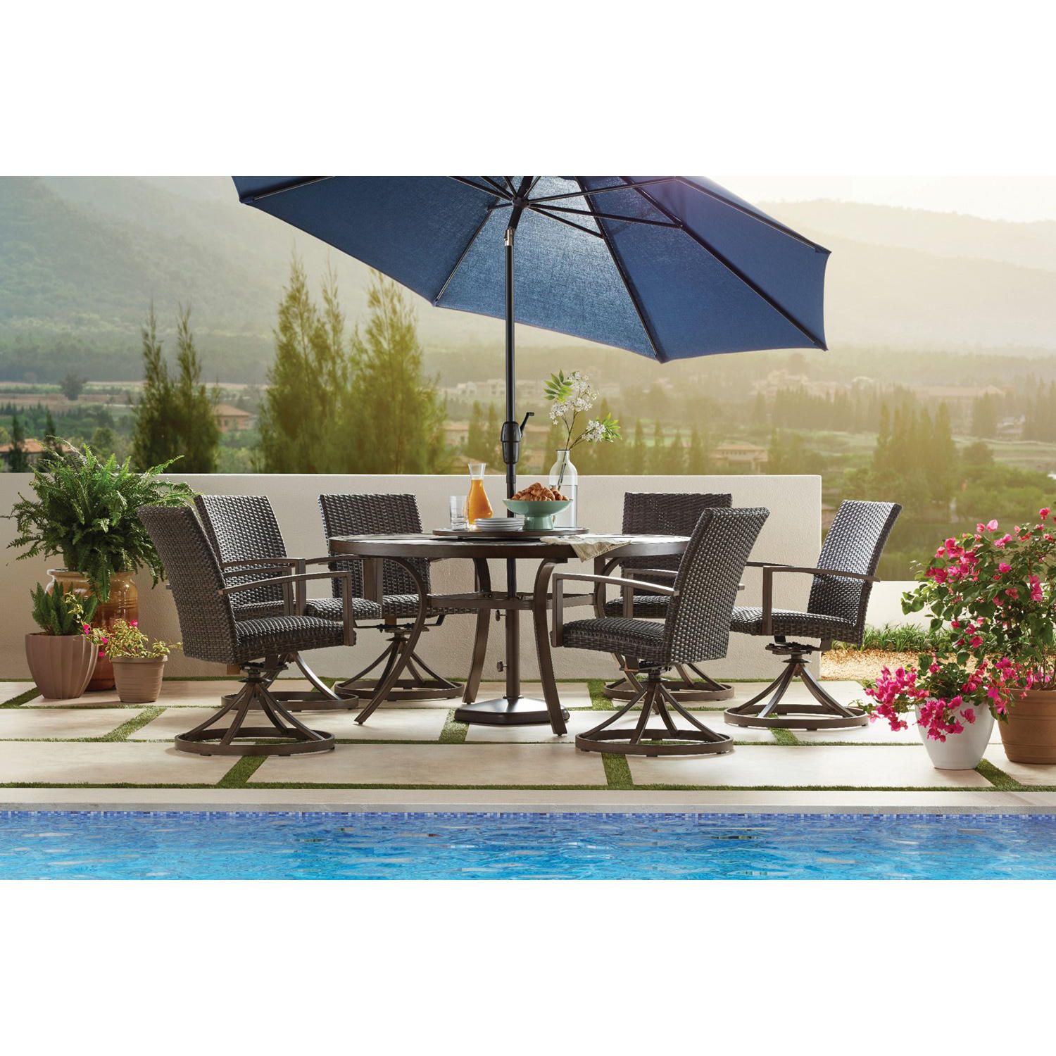 Member's Mark Agio Fremont 8-Piece Round Patio Dining Set