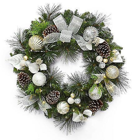 "Member's Mark 32"" Pre-Lit Decorative Silver Wreath"