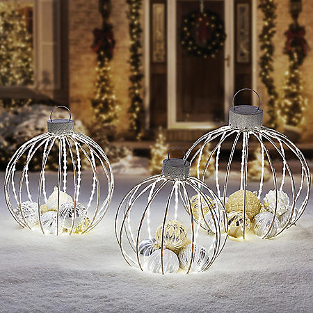 Member's Mark 3-Piece Pre-Lit Twinkling Ornament Decor (Silver)