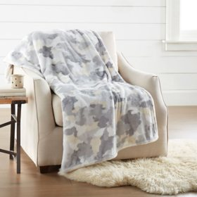 "Member's Mark Lounge Throw, 60"" x 70"" (Assorted Colors)"