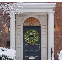 """Member's Mark Pre-Lit 32"""" Natural Holiday Wreath"""