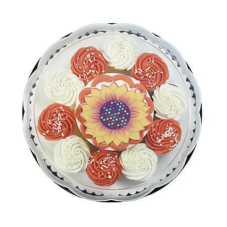 "Member's Mark 5"" Seasonal Cake with 10 Cupcakes"