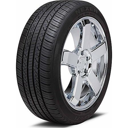 Nexen CP671 - 225/55R17 97V Tire