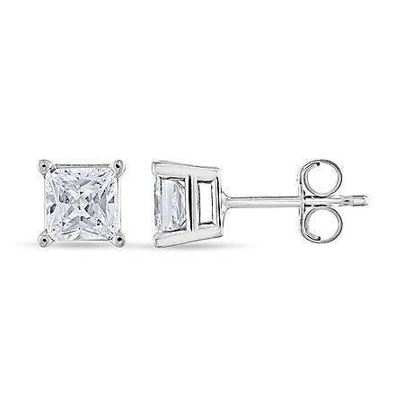 0.96 CT. T.W. Princess Diamond Stud Earrings in 14K White Gold (I, I1)