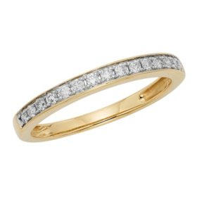 .25 CT. T.W. Diamond Band Set in 14K Gold