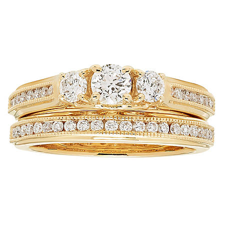 1.0 CT. T.W. Three Stone Diamond Bridal Ring Set in 14K Gold