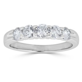 0.25 CT. T.W. 5-Stone Diamond Band Ring in 14K Gold (HI, I1)