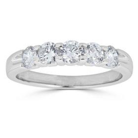 0.25 CT. T.W. 5-Stone Diamond Band Ring in 14K Gold (HI, I1)