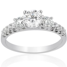 1.20 CT. T.W. Diamond Anniversary Band in 18K White Gold (I, SI2)