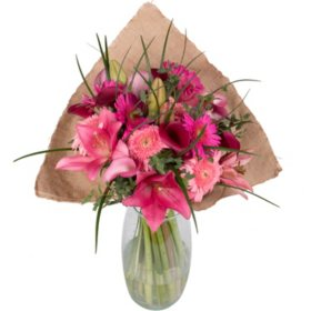 Berry Pink Bouquet with Burlap