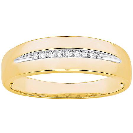 0.06 CT. T.W. Men's Diamond Wedding Band in 14k Yellow Gold