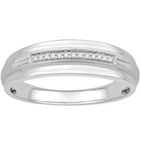 0.05 CT. T.W. Men's Diamond Wedding Band in 14k White Gold