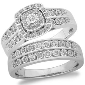 0.37 CT. T.W. Cushion Shape Diamond Wedding Set in 14k White Gold