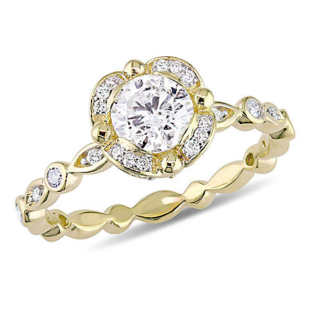 Allura 0.95 CT. T.W. Diamond Vintage Halo Engagement Ring in 14k Yellow Gold