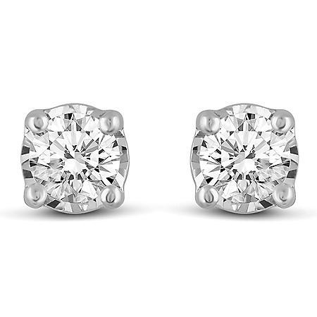 0.30 CT. T.W. Round Shape Diamond Earrings in 14K Gold