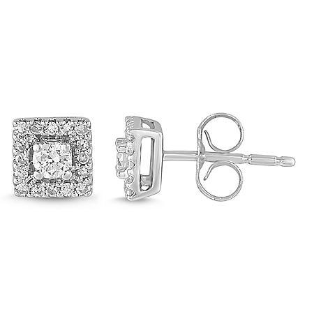 0.25 CT. T.W. Diamond Stud Earrings in 14K White Gold