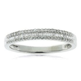 0.23 CT. T.W. Baguette and Round Diamond Band in 14K Gold