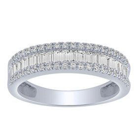 0.46 CT. T.W. Baguette and Round Diamond Band in 14K Gold