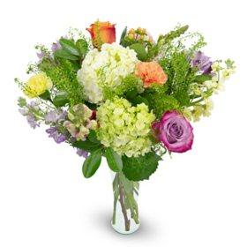 Premium Victorian Garden Mixed Rose Bouquet