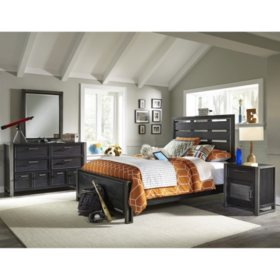 Brooks Bedroom Set (Assorted Sizes)