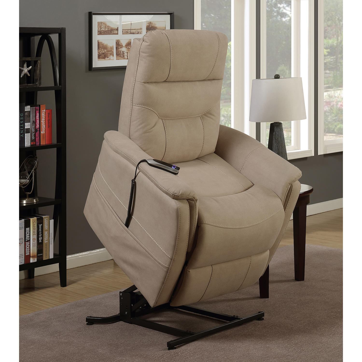 Abbey Lift Chair with USB