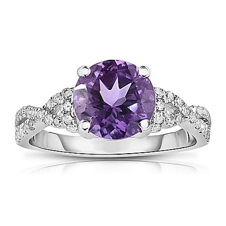 Round-Shaped Amethyst Ring with Diamonds in 14K White Gold