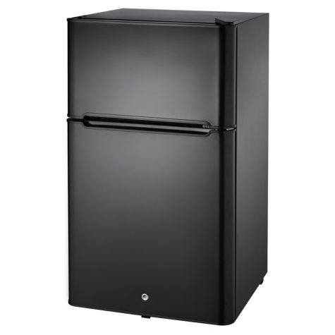 Oster Compact Refrigerator - 3.25 cu. ft. capacity