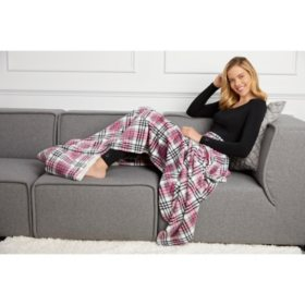 "Cuddl Duds Plush Velvet Foot Pocket Throw- 60"" x 70"" (Assorted Colors)"