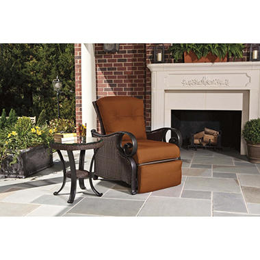 La-Z-Boy Outdoor Isabella Recliner with Toss Pillow - Paprika