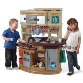 Family Fun Kitchen