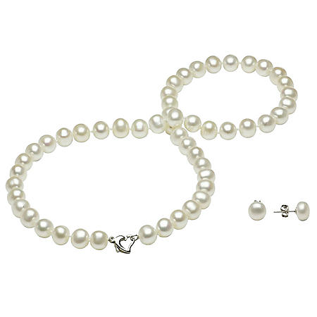 b6ec54c25 Sterling Silver Heart Clasp Freshwater Pearl Necklace and Earring Set  (7-8mm)