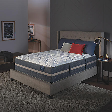 Serta Perfect Sleeper Luxury Hybrid Blakefield Plush Mattress (Club Pick up)