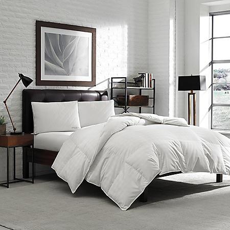 Eddie Bauer Year-Round 400 Thread Count 600 Fill Power White Down Baffle Box Comforter - OEKO-TEX®