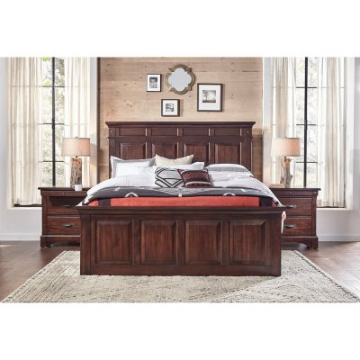 Thompson Bedroom Furniture Set (Assorted Sizes)