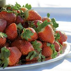 Stemmed Strawberries (1 lb.)