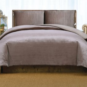 Christian Siriano New York Crinkle Velvet Duvet Set (Assorted Colors and Sizes)