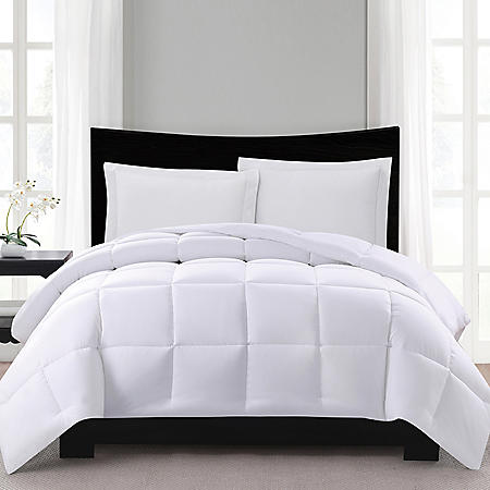 London Fog Supreme Down Alternative Comforter (Assorted Colors And Sizes) by Sam's Club