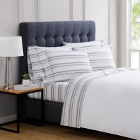 London Fog 4-Piece & 6-Piece Luxury Sheet Sets (Assorted Sizes and Colors)