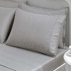 Brielle Houndstooth Duvet Cover Set with Extra Pillowcases