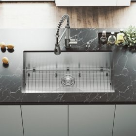 """VIGO 32"""" Undermount Stainless Steel Kitchen Sink, Grid and Strainer"""