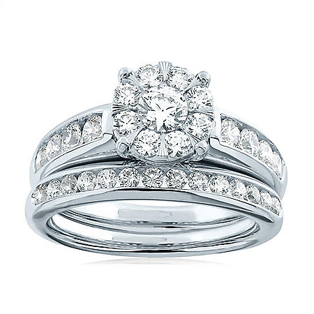 1.46 CT. T.W. Diamond Bridal Set in 14K White Gold
