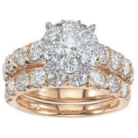 2.96 CT. T.W. Diamond Bridal Set in 14K Gold