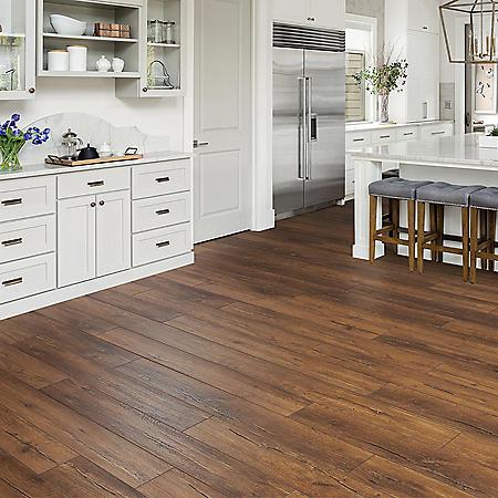 Select Surfaces Aspen Oak Spill Defense Laminate Flooring