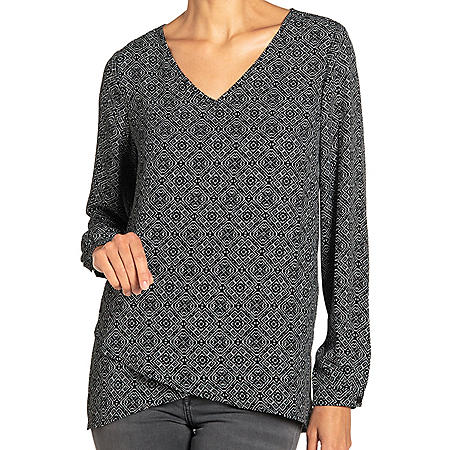 Chelsea & Theodore Long-Sleeve Crossover Woven Top