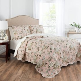 Waverly 3 Piece Reversible Scalloped Edge Kelsey Quilt Set (Various Sizes)
