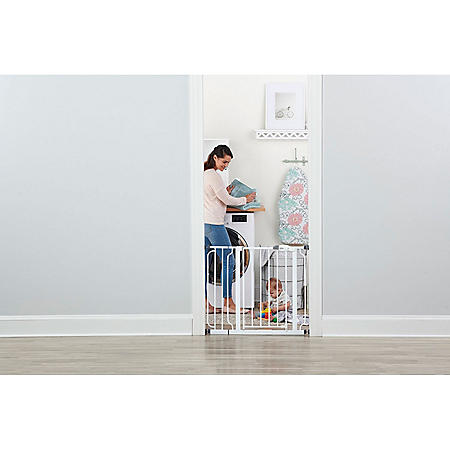 """Regalo Easy Step Baby Gate, 29"""" - 34"""" or 35"""" - 38.5"""""""